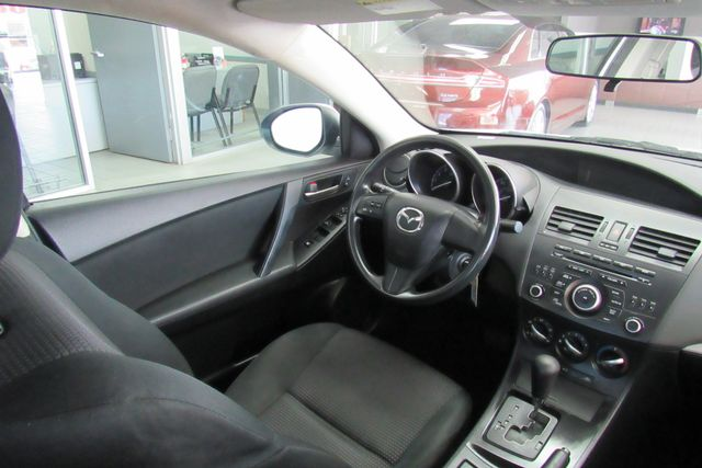 2013 Mazda Mazda3 i SV Chicago, Illinois 11