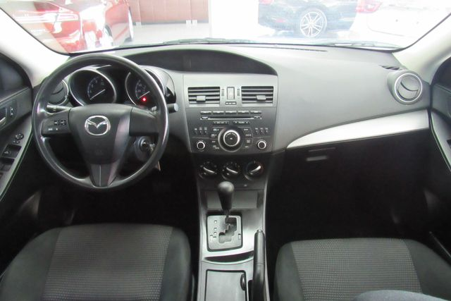 2013 Mazda Mazda3 i SV Chicago, Illinois 13