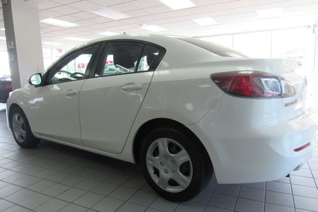 2013 Mazda Mazda3 i SV Chicago, Illinois 3