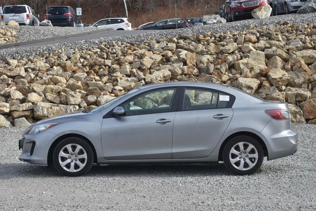 2013 Mazda Mazda3 i Sport Naugatuck, Connecticut 1