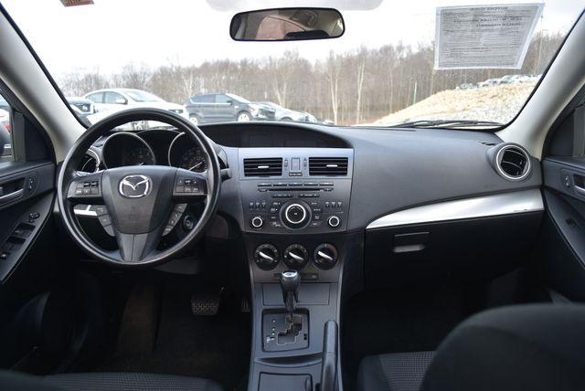 2013 Mazda Mazda3 i Sport Naugatuck, Connecticut 14