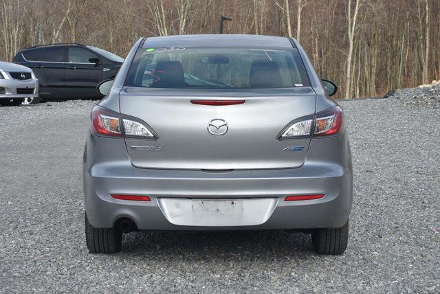 2013 Mazda Mazda3 i Sport Naugatuck, Connecticut 3