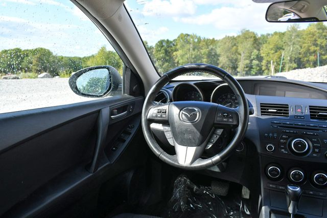 2013 Mazda Mazda3 i Touring Naugatuck, Connecticut 14