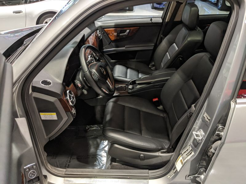 2013 Mercedes-Benz GLK 350 4MATIC  Lake Forest IL  Executive Motor Carz  in Lake Forest, IL