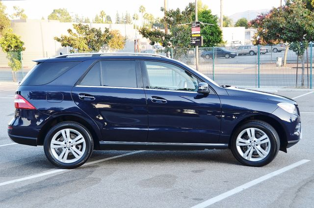 2013 Mercedes-Benz ML 350  AUTO - 33K MILES - NAVI - HTD STS - SUNROOF Reseda, CA 16