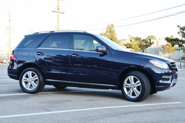 2013 Mercedes-Benz ML 350  AUTO - 33K MILES - NAVI - HTD STS - SUNROOF Reseda, CA 17