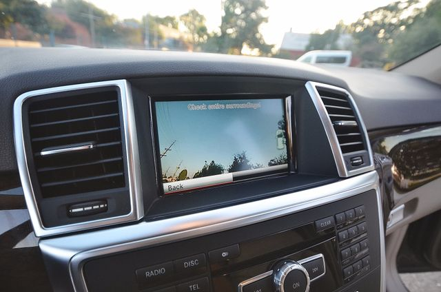2013 Mercedes-Benz ML 350  AUTO - 33K MILES - NAVI - HTD STS - SUNROOF Reseda, CA 3
