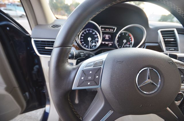2013 Mercedes-Benz ML 350  AUTO - 33K MILES - NAVI - HTD STS - SUNROOF Reseda, CA 38