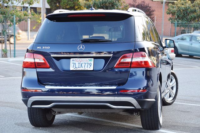 2013 Mercedes-Benz ML 350  AUTO - 33K MILES - NAVI - HTD STS - SUNROOF Reseda, CA 15