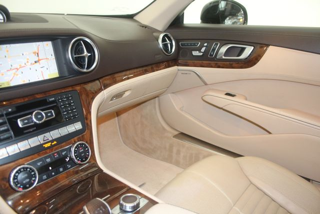 2013 Mercedes-Benz SL 550 Houston, Texas 37