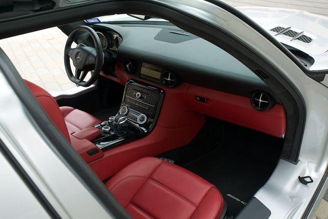 2013 Mercedes-Benz SLS AMG GT Houston, Texas 25