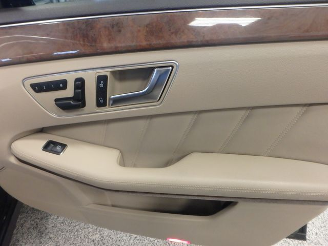 2013 Mercedes E-350 4-Matic VERY CLEAN, SHARP, LUXURIOUS GREATNESS! Saint Louis Park, MN 22