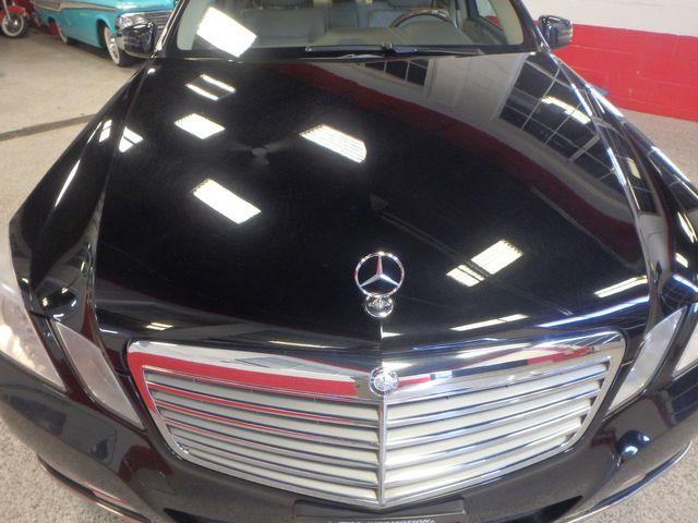 2013 Mercedes E-350 4-Matic VERY CLEAN, SHARP, LUXURIOUS GREATNESS! Saint Louis Park, MN 31