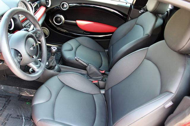 2013 Mini Cooper S Coupe: 2013 MINI Cooper S Coupe 32135 Miles Chili Red Coupe 4 Manual