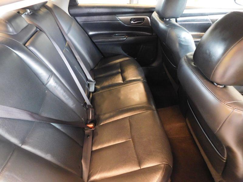 2013 Nissan Altima 25 SL  city TN  Doug Justus Auto Center Inc  in Airport Motor Mile ( Metro Knoxville ), TN