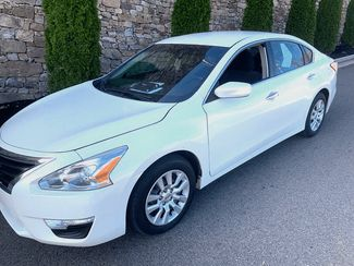 2013 Nissan-Bhph Offered! Showroom Condition! Altima-$5OO DN WAC DOING TAX RETURNS NOW S in Knoxville, Tennessee 37920