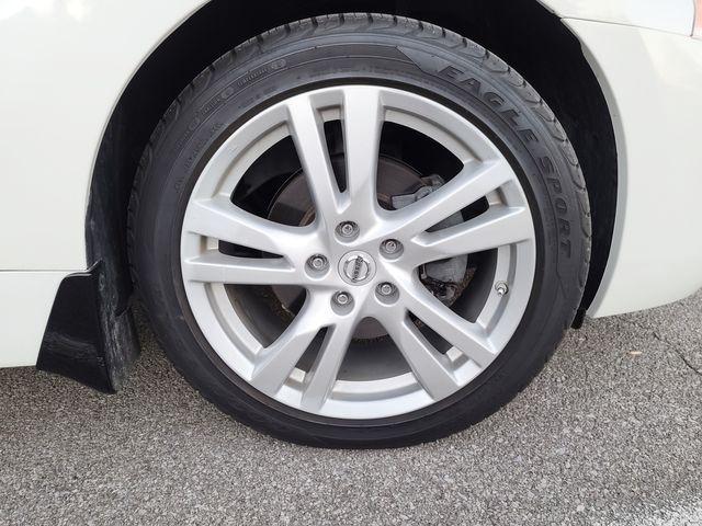 "2013 Nissan Altima SV 3.5L V6 Smart Key Navigation Sunroof 18"" Wheels in Louisville, TN 37777"