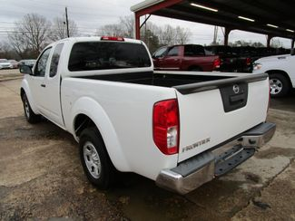 2013 Nissan Frontier S Houston, Mississippi 4