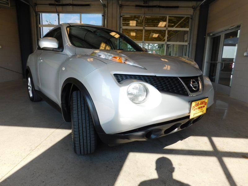 2013 Nissan JUKE SV  city TN  Doug Justus Auto Center Inc  in Airport Motor Mile ( Metro Knoxville ), TN