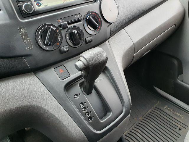 2013 Nissan NV200 SV w/Navigation/Rear View Camera in Louisville, TN 37777