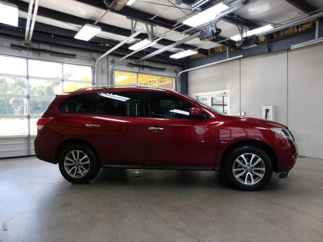 2013 Nissan Pathfinder SV in Airport Motor Mile ( Metro Knoxville ), TN 37777