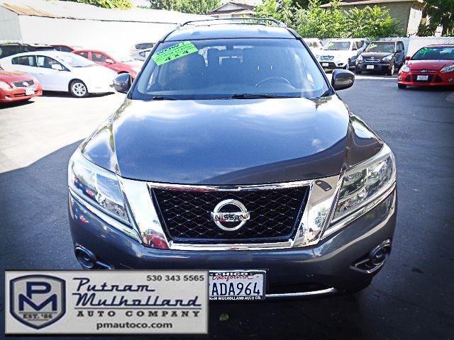2013 Nissan Pathfinder SV Chico, CA 1