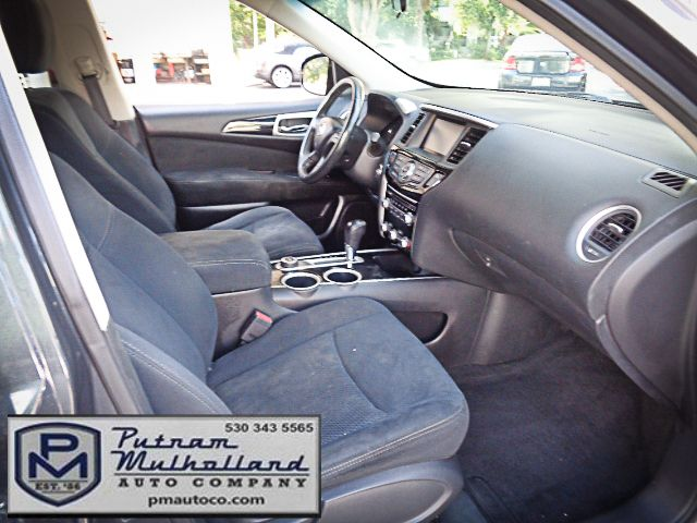 2013 Nissan Pathfinder SV Chico, CA 12