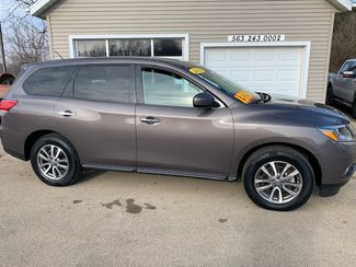 2013 Nissan Pathfinder S in Clinton, IA 52732