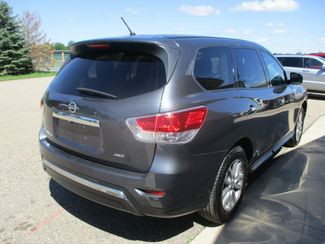 2013 Nissan Pathfinder S Farmington, MN 1