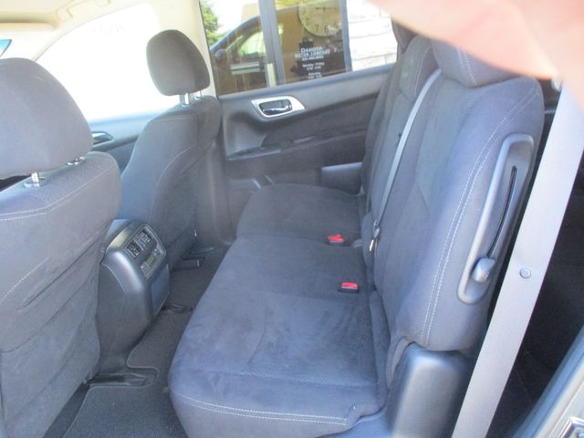 2013 Nissan Pathfinder S Farmington, MN 3