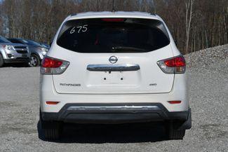 2013 Nissan Pathfinder S Naugatuck, Connecticut 3