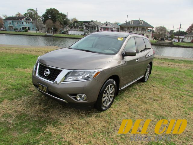 2013 Nissan Pathfinder S in New Orleans, Louisiana 70119