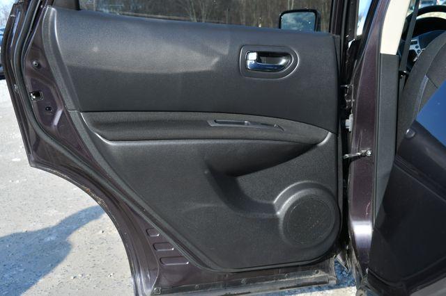 2013 Nissan Rogue SV Naugatuck, Connecticut 4