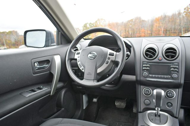 2013 Nissan Rogue SV Naugatuck, Connecticut 15
