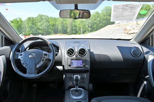 2013 Nissan Rogue SV AWD Naugatuck, Connecticut 17