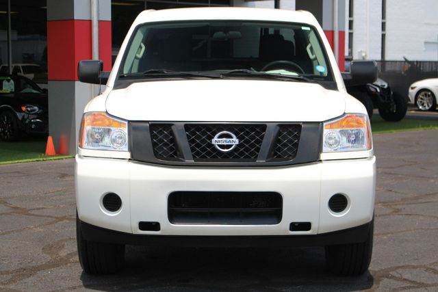 2013 Nissan Titan S Crew Cab 4x4 - ONE OWNER - ALLOY WHEELS! Mooresville , NC 14