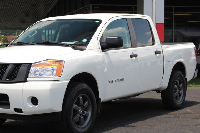 2013 Nissan Titan S Crew Cab 4x4 - ONE OWNER - ALLOY WHEELS! Mooresville , NC 25