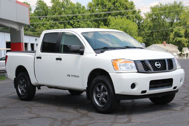 2013 Nissan Titan S Crew Cab 4x4 - ONE OWNER - ALLOY WHEELS! Mooresville , NC 20