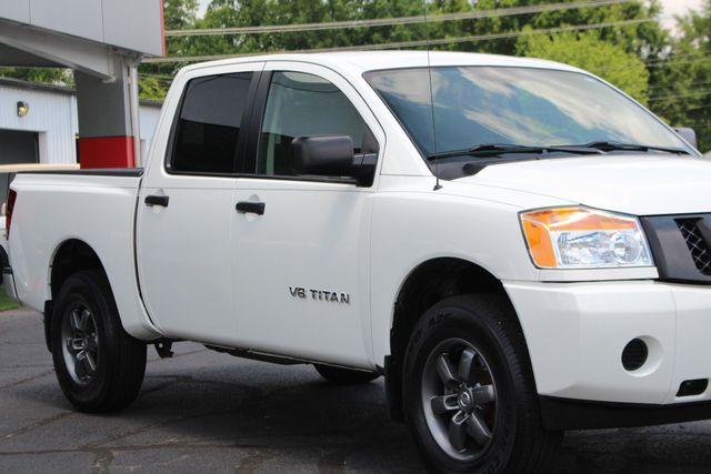 2013 Nissan Titan S Crew Cab 4x4 - ONE OWNER - ALLOY WHEELS! Mooresville , NC 24