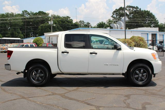 2013 Nissan Titan S Crew Cab 4x4 - ONE OWNER - ALLOY WHEELS! Mooresville , NC 12