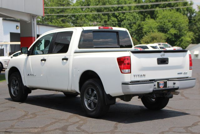 2013 Nissan Titan S Crew Cab 4x4 - ONE OWNER - ALLOY WHEELS! Mooresville , NC 23