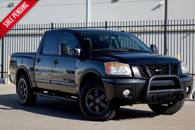 2013 Nissan Titan PRO-4X* 4x4*Crew Cab*Leather*Sunroof* Only 113k mi | Plano, TX | Carrick's Autos in Plano TX