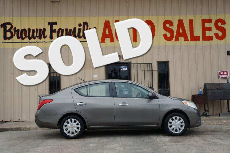 2013 Nissan Versa SV | Houston, TX | Brown Family Auto Sales in Houston TX