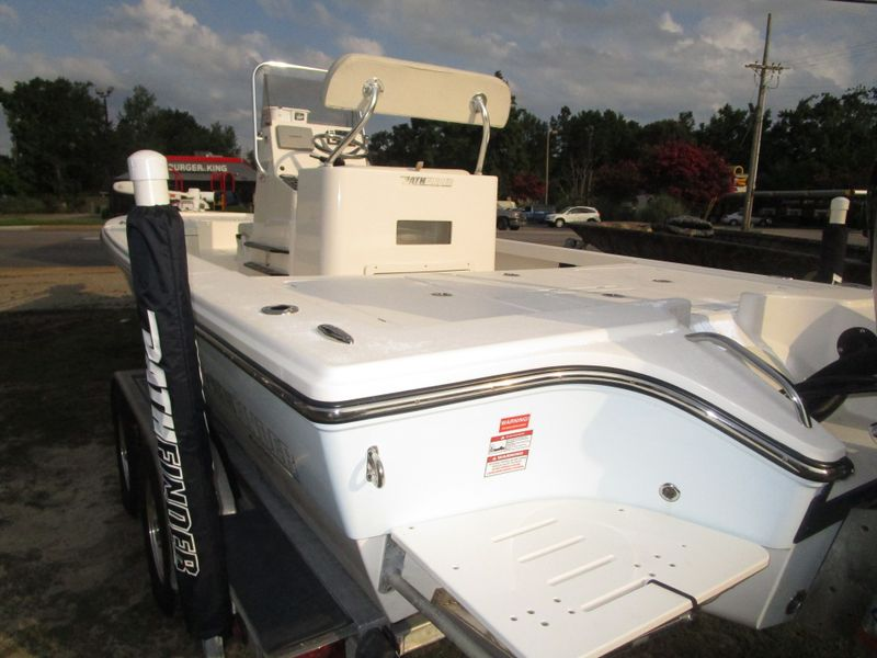 2013 Pathfinder 2300 HPS   in Charleston, SC
