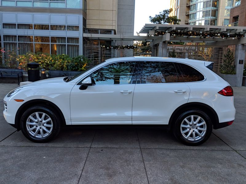 2013 Porsche Cayenne All Wheel Drive 2 Owner 50000 Miles NICE Rear Camera Navigation Bose Heated Seats Xenons  city Washington  Complete Automotive  in Seattle, Washington
