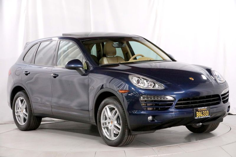 2013 Porsche Cayenne Diesel - Chrono - Navigation - Panoramic sunroof  city California  MDK International  in Los Angeles, California