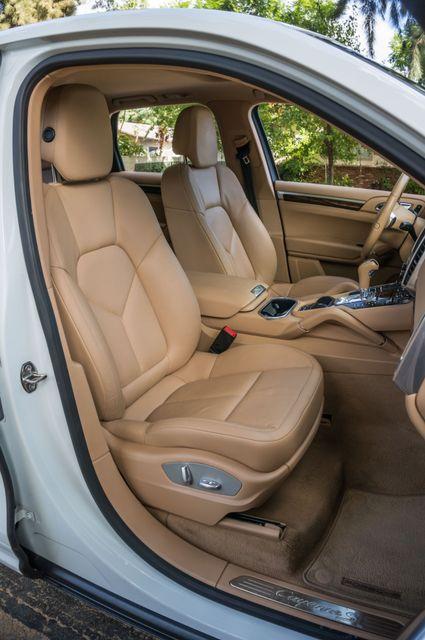 2013 Porsche Cayenne S Hybrid Reseda, CA 34