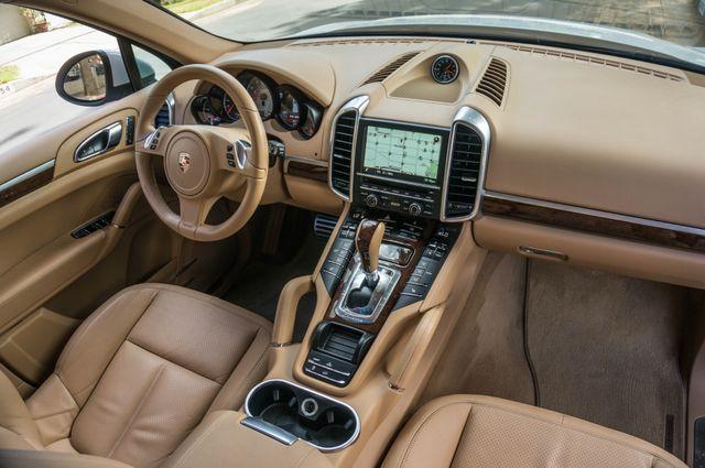 2013 Porsche Cayenne S Hybrid Reseda, CA 37