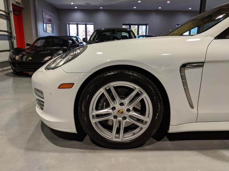 2013 Porsche Panamera Platinum Edition  Lake Forest IL  Executive Motor Carz  in Lake Forest, IL