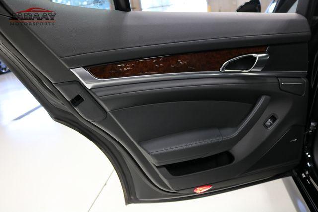 2013 Porsche Panamera 4 Platinum Edition Merrillville, Indiana 30